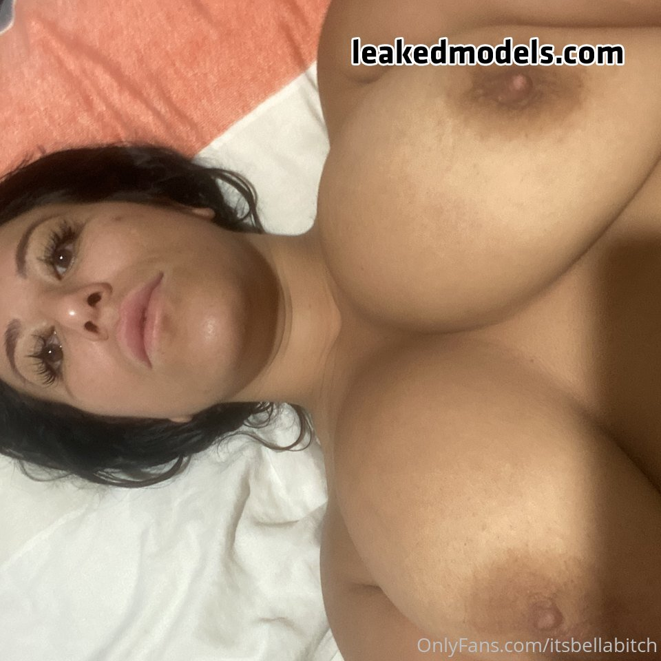 itsbellabitches OnlyFans Nude Leaks (35 Photos)